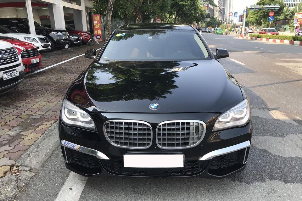 Qua thời đỉnh cao, BMW 750Li có giá rẻ hơn cả VinFast Lux A2.0: Thông số ODO gây chú ý