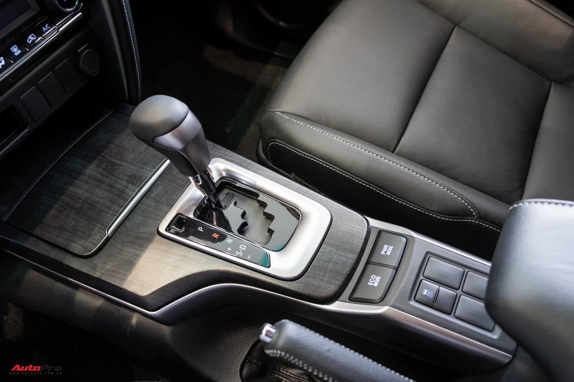 Toyota Fortuner phiên bản 2.4 4x2 AT.
