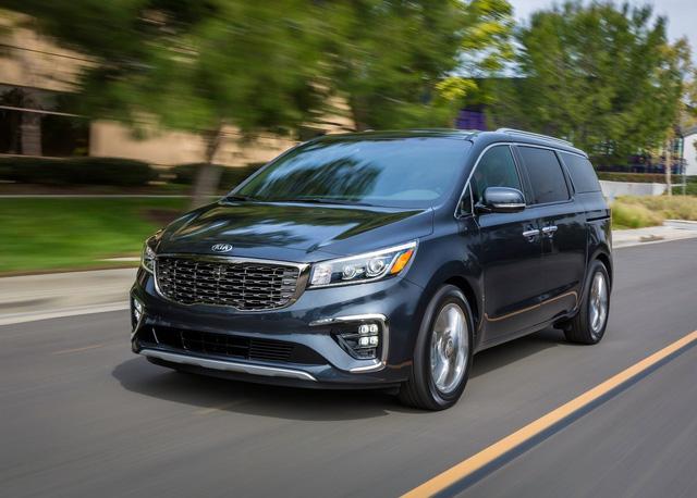 Điểm danh loạt ô tô giảm giá sập sàn trong tháng 9/2020 - Ảnh 3.
