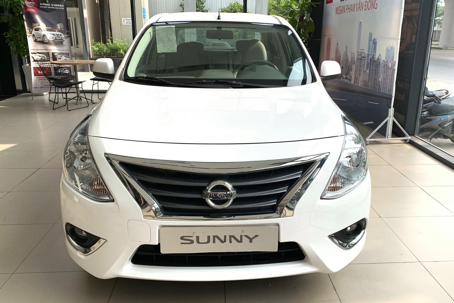 Đại lý ồ ạt xả kho Nissan Sunny với mức giảm kỷ lục: Giá từ 355 triệu đồng, thấp chưa từng thấy, ngang ngửa Kia Morning