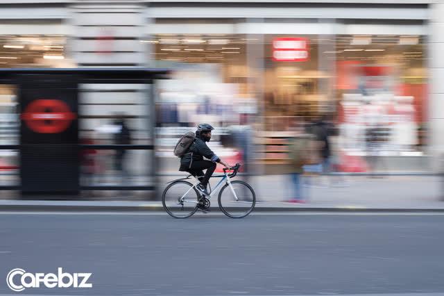 Bỏ xe máy, đi xe đạp trong 3 tháng để đi làm, cuộc sống của tôi đã thay đổi bất ngờ: Tiết kiệm hơn, hạnh phúc hơn, trí não sắc bén hơn... - Ảnh 1.