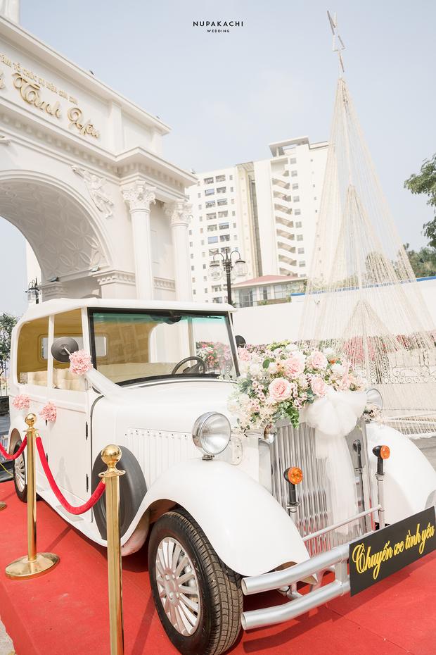 """Đám cưới """"cổ tích"""" tại Bắc Ninh: Bố tự tay thiết kế hôn lễ cho con gái, chi phí hơn 30 tỷ, gần 300 xế hộp xếp chật kín đường - Ảnh 14."""