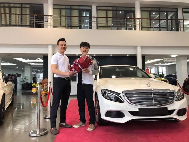 Soi dàn xế hộp tiền tỷ của dàn streamer Việt, nể nhất Độ Mixi chỉ coi Mercedes GLC như mô hình - Ảnh 11.