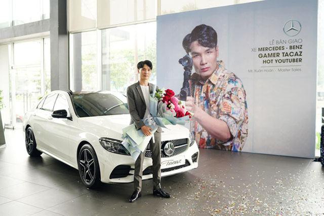 Soi dàn xế hộp tiền tỷ của dàn streamer Việt, nể nhất Độ Mixi chỉ coi Mercedes GLC như mô hình - Ảnh 12.