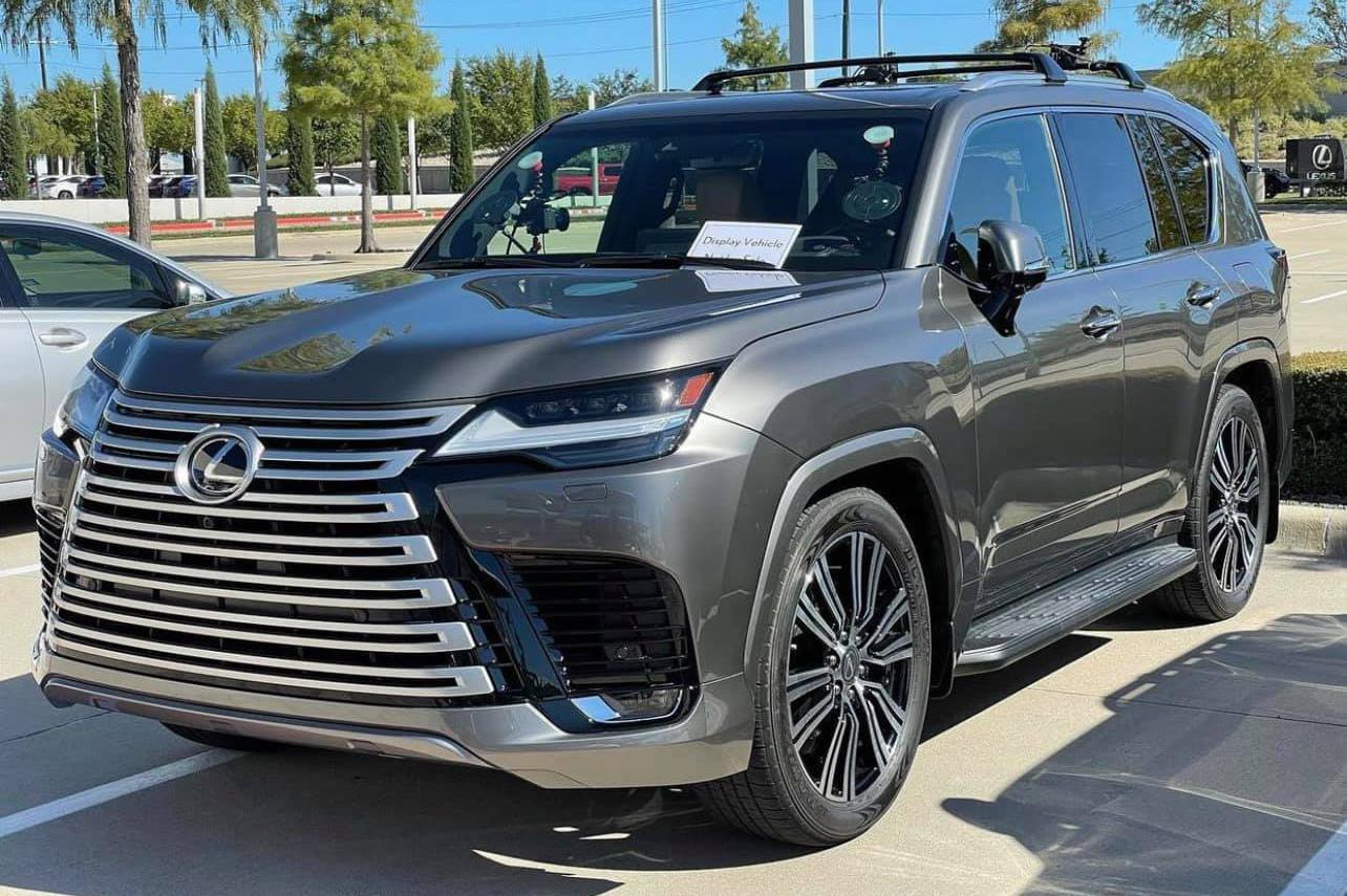 Đại lý tư nhân chào bán Lexus LX 600 tới giới nhà giàu Việt Nam, giá dự kiến không thấp hơn 8 tỷ đồng
