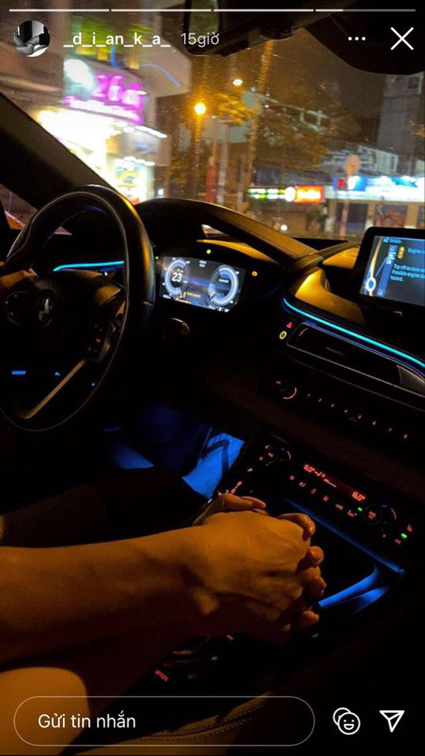 Bùi Tiến Dũng đưa bạn gái và cháu trai đi chơi trên siêu xe BMW i8 - Ảnh 1.