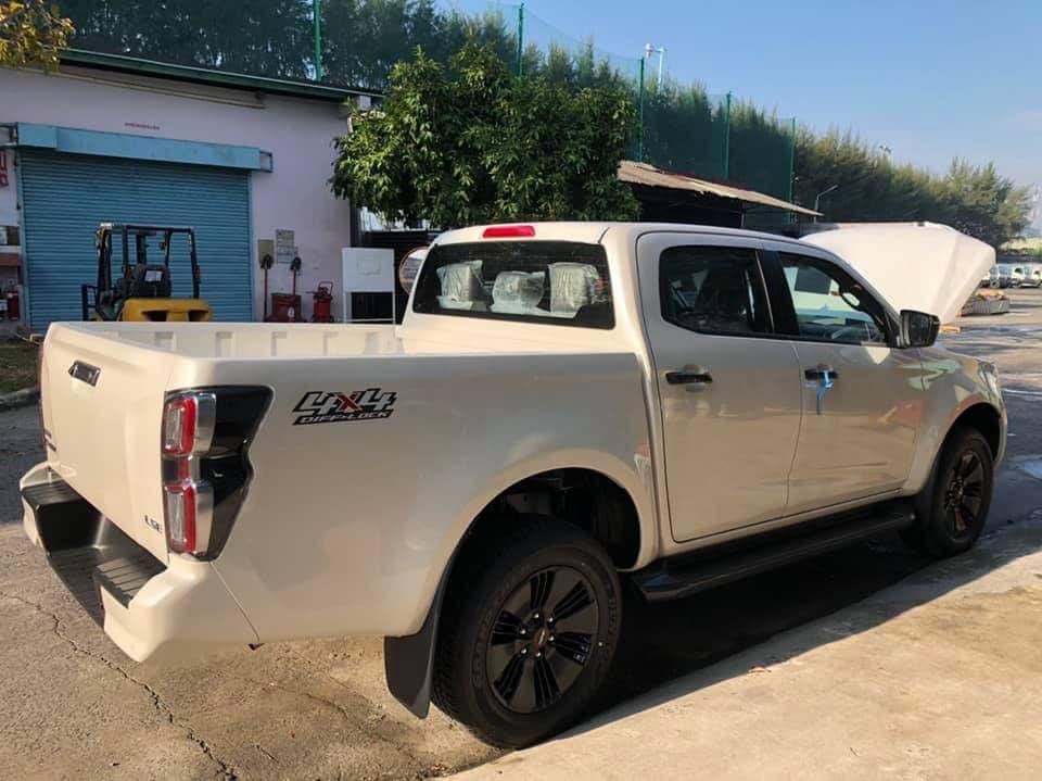 Isuzu D-Max 2021 chính thức được thông quan, về kho tại Việt Nam chờ ngày ra mắt đấu Ford Ranger