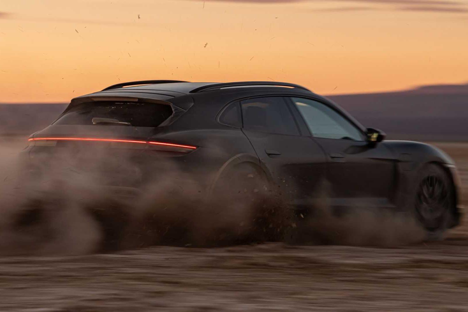 Porsche Taycan Cross Turismo chốt ngày ra mắt sau khi chạy thử hết 25 vòng trái đất