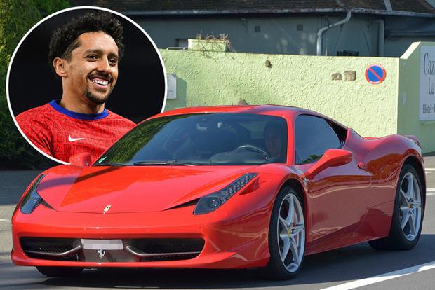 Để siêu xe Ferrari phủ bụi, anh chàng triệu phú sân cỏ vẫn thường lóc cóc vẫy taxi và lý do bất ngờ đằng sau - Ảnh 1.