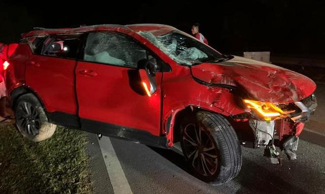 Nhân viên sale chạy 180 km/h, phá nát xe của khách trên đường đi giao  - Ảnh 1.