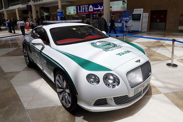 Dàn siêu xe tuần tra của cảnh sát Dubai: Toàn những cái tên đắt đỏ, tốc độ đạt đỉnh cao, mục đích là để thân thiện với người dân  - Ảnh 11.