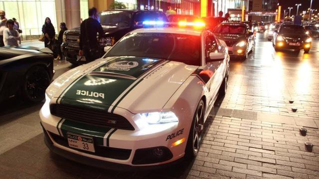 Dàn siêu xe tuần tra của cảnh sát Dubai: Toàn những cái tên đắt đỏ, tốc độ đạt đỉnh cao, mục đích là để thân thiện với người dân  - Ảnh 6.