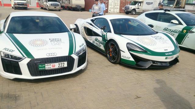 Dàn siêu xe tuần tra của cảnh sát Dubai: Toàn những cái tên đắt đỏ, tốc độ đạt đỉnh cao, mục đích là để thân thiện với người dân  - Ảnh 7.