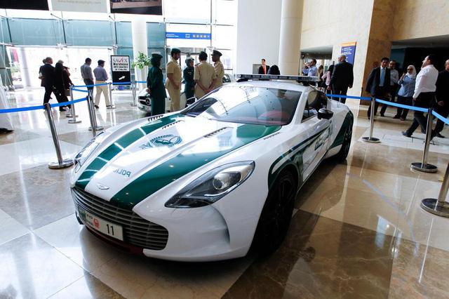 Dàn siêu xe tuần tra của cảnh sát Dubai: Toàn những cái tên đắt đỏ, tốc độ đạt đỉnh cao, mục đích là để thân thiện với người dân  - Ảnh 10.