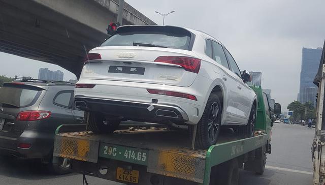Audi Q5 2021 chính hãng đầu tiên xuất hiện tại Việt Nam - Đối thủ ngang tầm Mercedes-Benz GLC và BMW X3 - Ảnh 1.
