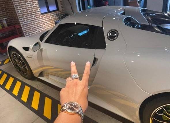 Đại gia sở hữu siêu xe Porsche 918 Spyder đầu tiên tại Việt Nam là ai? - Ảnh 2.