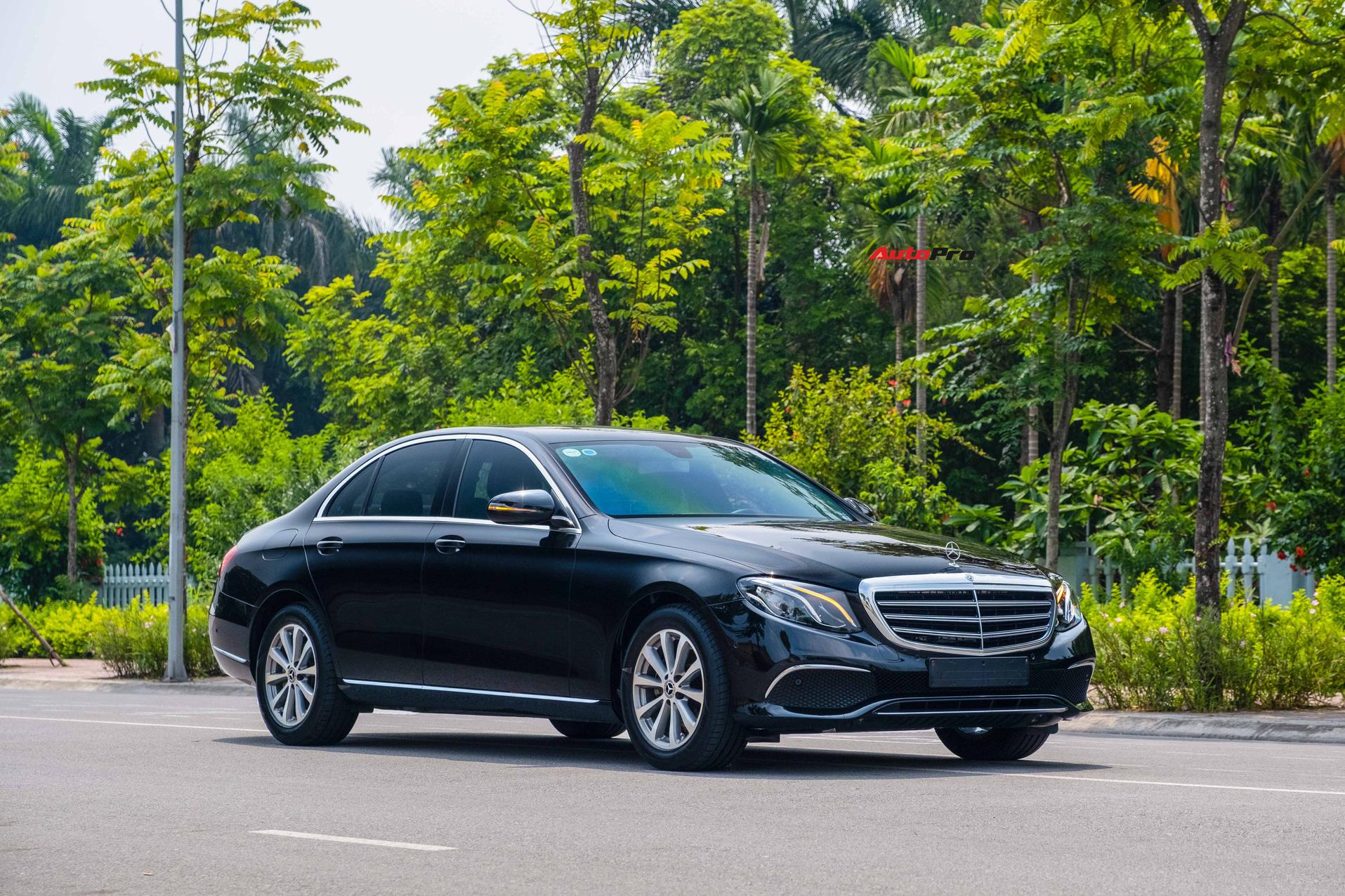 Chạy lướt 20.000km, Mercedes-Benz E-Class hạ giá chỉ đắt hơn Honda Accord 'lăn bánh' khoảng 300 triệu đồng