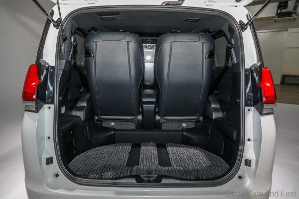 Ra mắt Lexus LM 350 tại Việt Nam, giá bán từ 6,8 tỷ đồng cho đại gia thích khác biệt - Ảnh 8.