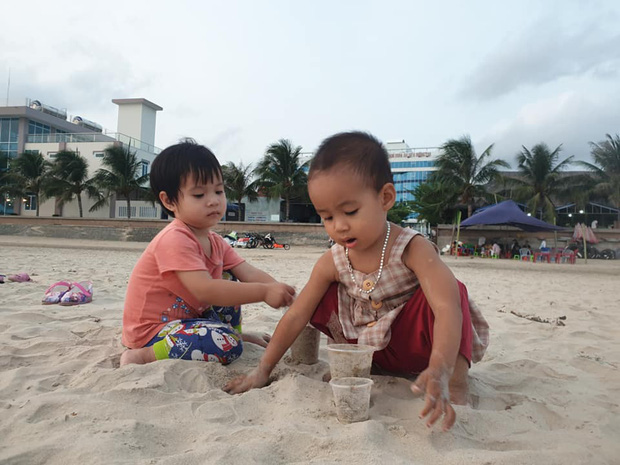Bán hết tài sản, cặp vợ chồng Vũng Tàu đạp xe chở 2 con nhỏ đi phượt khắp Việt Nam - Ảnh 6.