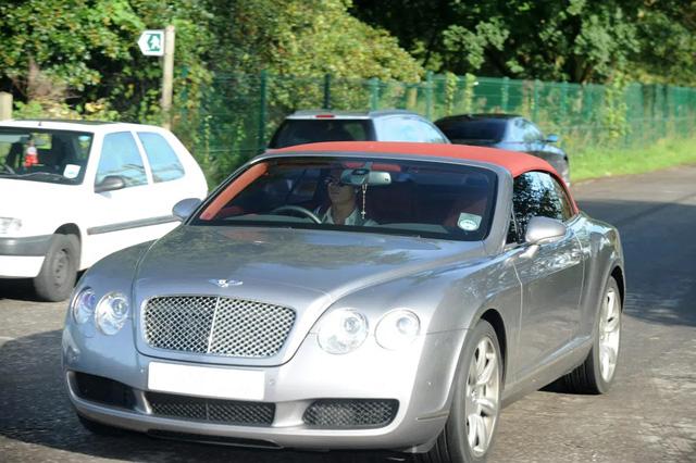 Bộ sưu tập xe của siêu cầu thủ Cristiano Ronaldo vừa lập kỷ lục ghi bàn tại Euro: Bugatti, Lamborghini, Rolls-Royce đủ cả, toàn hàng limited edition - Ảnh 11.