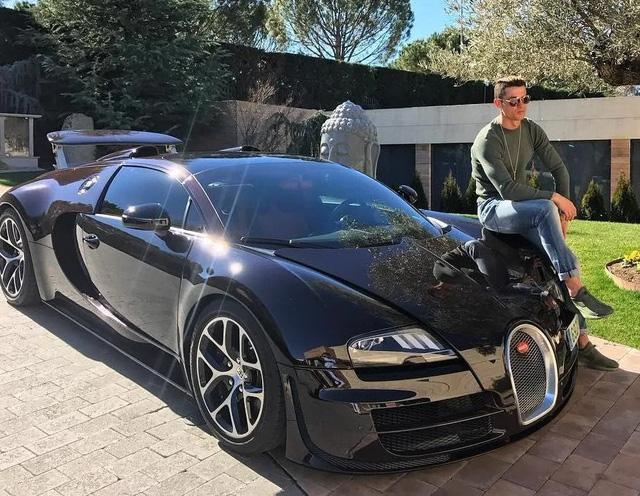Bộ sưu tập xe của siêu cầu thủ Cristiano Ronaldo vừa lập kỷ lục ghi bàn tại Euro: Bugatti, Lamborghini, Rolls-Royce đủ cả, toàn hàng limited edition - Ảnh 3.