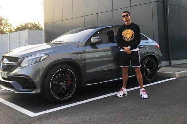 Bộ sưu tập xe của siêu cầu thủ Cristiano Ronaldo vừa lập kỷ lục ghi bàn tại Euro: Bugatti, Lamborghini, Rolls-Royce đủ cả, toàn hàng limited edition - Ảnh 9.