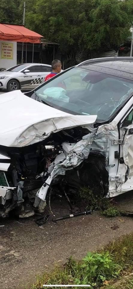 Hyundai Santa Fe 2021 thứ 2 gặp nạn: Rụng bánh trước, túi khí rèm đã bung - Ảnh 2.