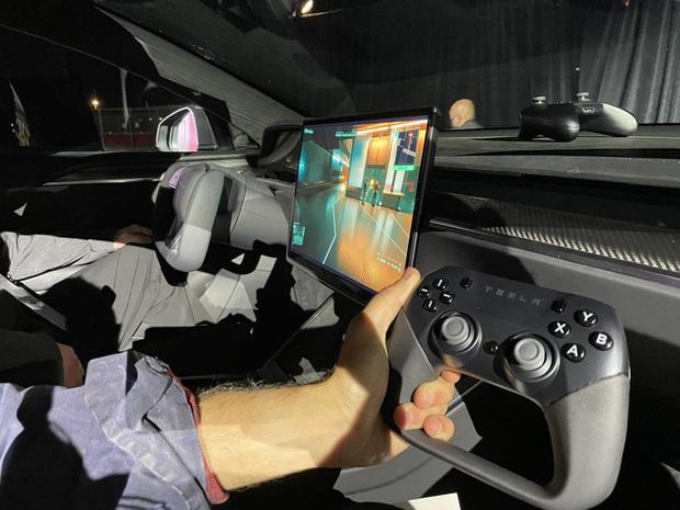 Mạnh ngang PS5: Xe điện Model S Plaid là phương tiện giao thông duy nhất được đem ra so sánh với máy chơi điện tử - Ảnh 1.