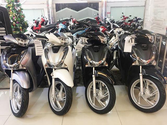 Xe máy ế ẩm, giá Honda SH bất ngờ lao dốc, nhiều mẫu xe khác đồng loạt giảm sâu
