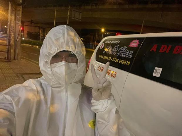 Danh tính nữ tài xế duy nhất tình nguyện lái xe cứu thương giữa mùa dịch ở Sài Gòn - Ảnh 1.