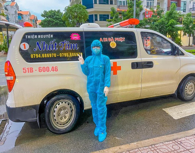 Danh tính nữ tài xế duy nhất tình nguyện lái xe cứu thương giữa mùa dịch ở Sài Gòn - Ảnh 2.