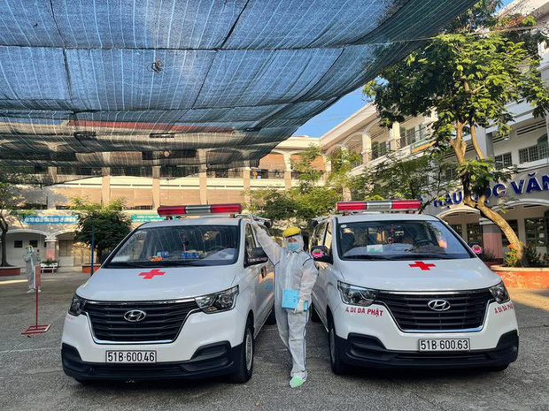 Danh tính nữ tài xế duy nhất tình nguyện lái xe cứu thương giữa mùa dịch ở Sài Gòn - Ảnh 7.