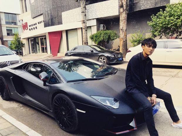 Dàn xe của hai thành viên EXO bị tố hôi nách trong drama Ngô Diệc Phàm: Mỗi người sương sương vài siêu xe, netizen ngồi đếm thôi cũng đủ mệt - Ảnh 13.