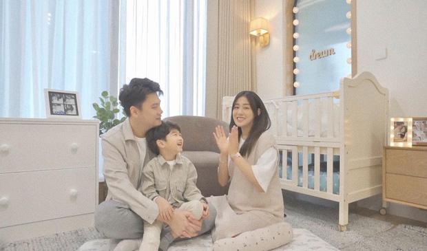 Sắm 2 xe sang + 2 căn chung cư trong chưa đầy 2 năm, vợ chồng Trang Lou - Tùng Sơn giàu cỡ nào? - Ảnh 15.