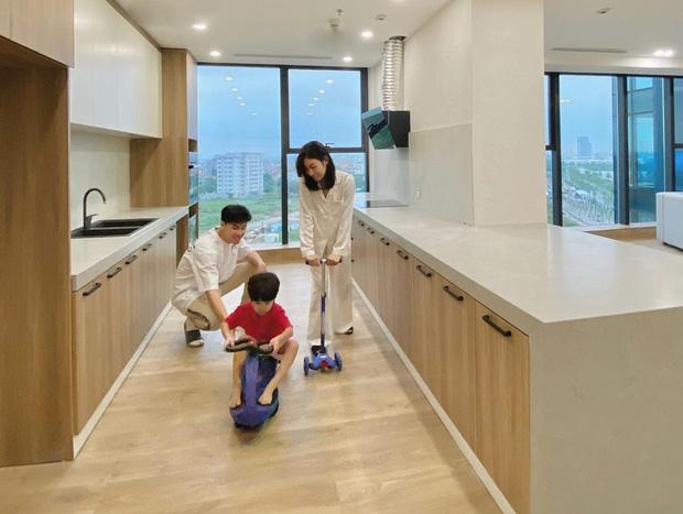 Sắm 2 xe sang + 2 căn chung cư trong chưa đầy 2 năm, vợ chồng Trang Lou - Tùng Sơn giàu cỡ nào? - Ảnh 10.