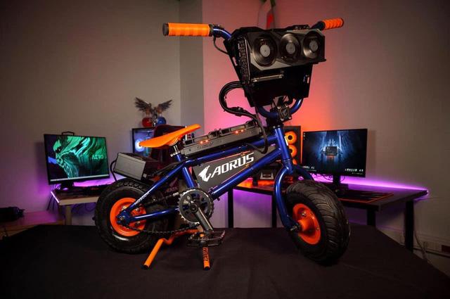 Modder biến xe đạp BMX thành PC Gaming cực khủng, có thể đạp đi chơi khắp nơi - Ảnh 4.