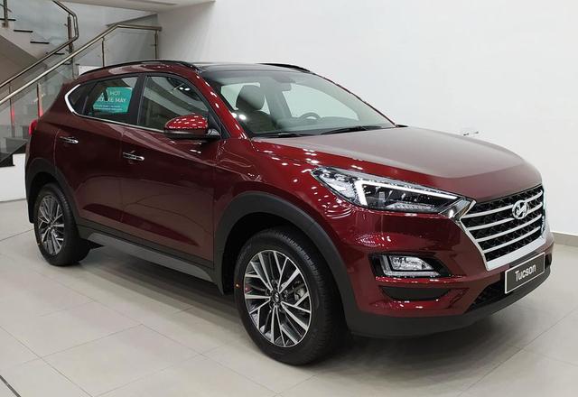 Hyundai Tucson giảm giá gần 100 triệu đồng tại đại lý: Giá thấp nhất từ trước tới nay, động thái dọn kho đón phiên bản mới - Ảnh 1.