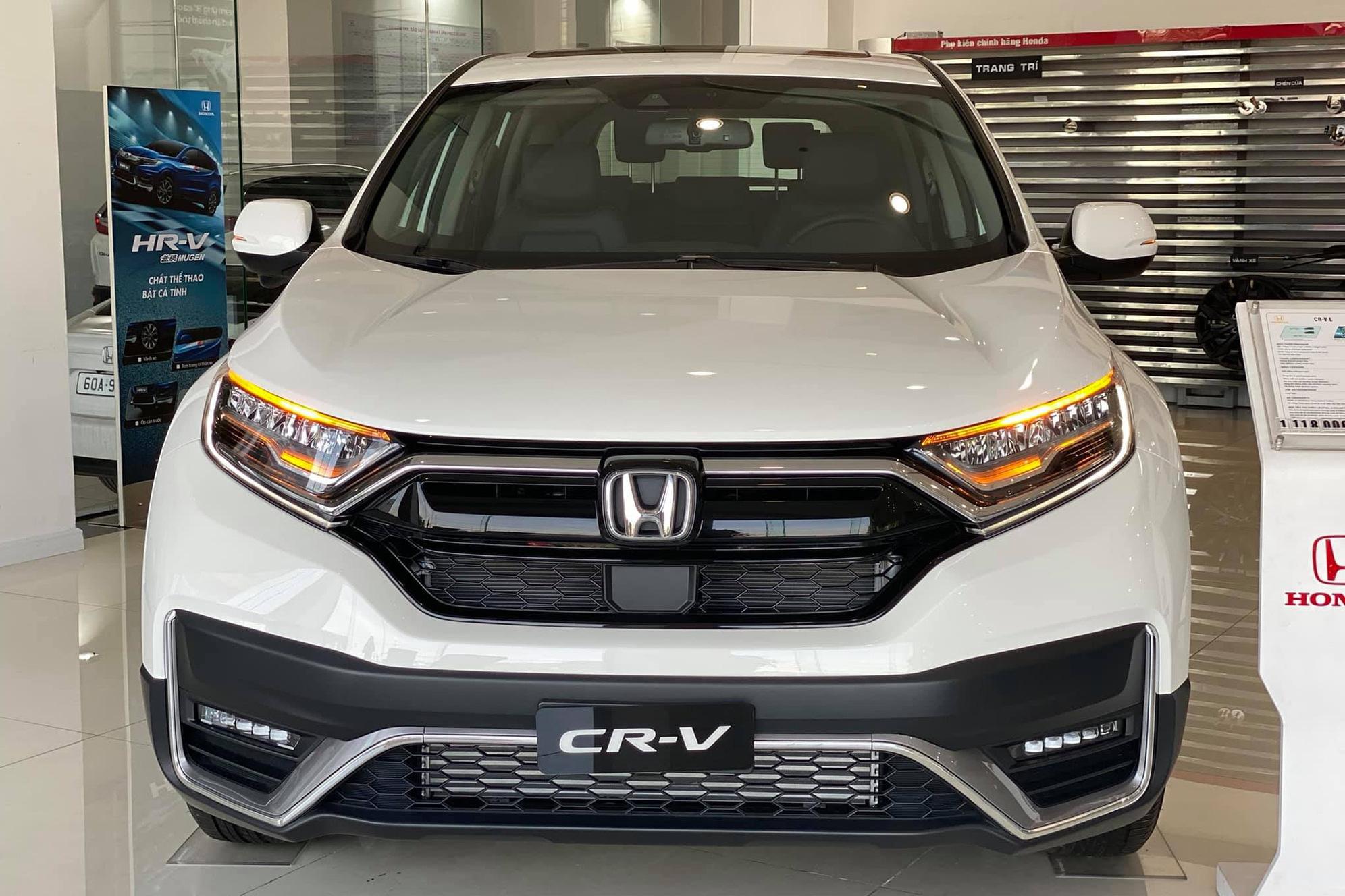 Honda CR-V ưu đãi 200 triệu đồng tại đại lý - Cơ hội hiếm có trước mùa mua sắm cuối năm