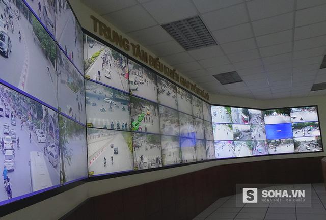 Màn hình theo dõi các phương tiện tham gia giao thông.