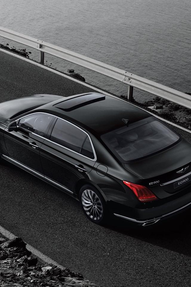 Dự kiến, Genesis G90 sẽ bắt đầu có mặt trên thị trường Hàn Quốc vào nửa đầu năm 2016. Sau đó, xe mới được có mặt tại các thị trường quốc tế. Giá bán của Genesis G90 tại thị trường Hàn Quốc dao động từ 73 - 117 triệu Won, tương đương 62.000 – 99.000 USD.