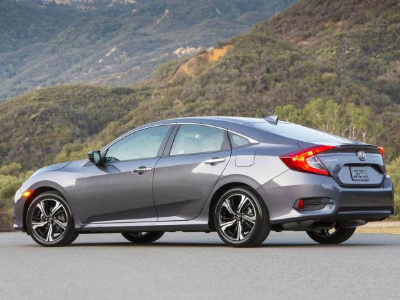 Honda Civic 2016 siêu tiết kiệm nhiên liệu với giá phải chăng và hấp dẫn.