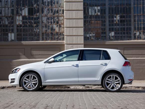 Mẫu xe Volkswagen Golf TDI đã không chen được vào danh sách vì dính dáng đến động cơ diesel.