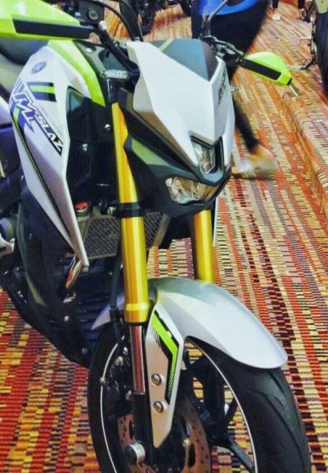 Trái tim của Yamaha MT-15 sẽ là động cơ xi-lanh đơn, làm mát bằng chất lỏng, SOHC, dung tích 150 phân khối, kết hợp với hộp số 6 cấp. Động cơ tạo ra công suất tối đa 17 mã lực tại vòng tua máy 8.500 vòng/phút và mô-men xoắn cực đại 15 Nm tại vòng tua máy 7.500 vòng/phút.