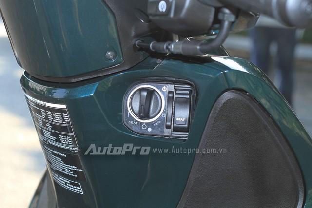 Cận cảnh chìa khóa thông minh trên Honda SH mới.