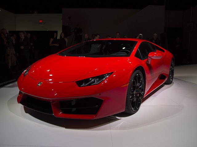 Ảnh sống siêu phẩm Lamborghini Huracan LP580-2 trước thềm