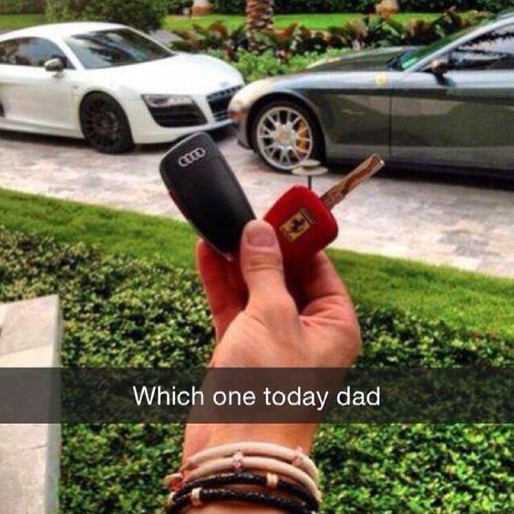 Hôm nay đi xe nào bố nhỉ?