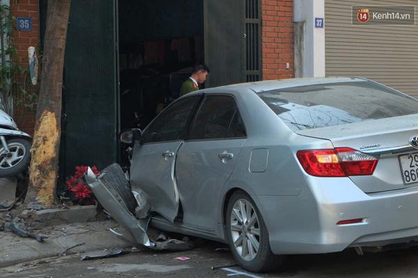 Qua xác định chiếc xe Camry không phải của diễn viên Quốc Khánh.