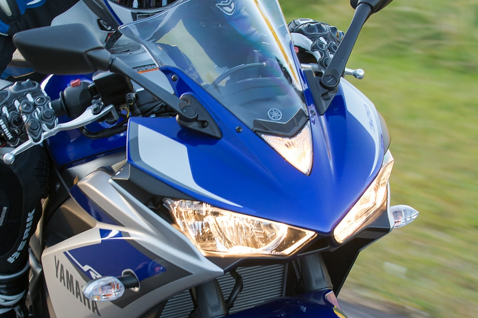 ... và Yamaha YZF-R3.