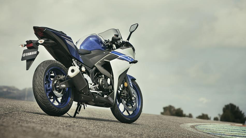 ... trong khi Yamaha YZF-R3 chỉ có 1.