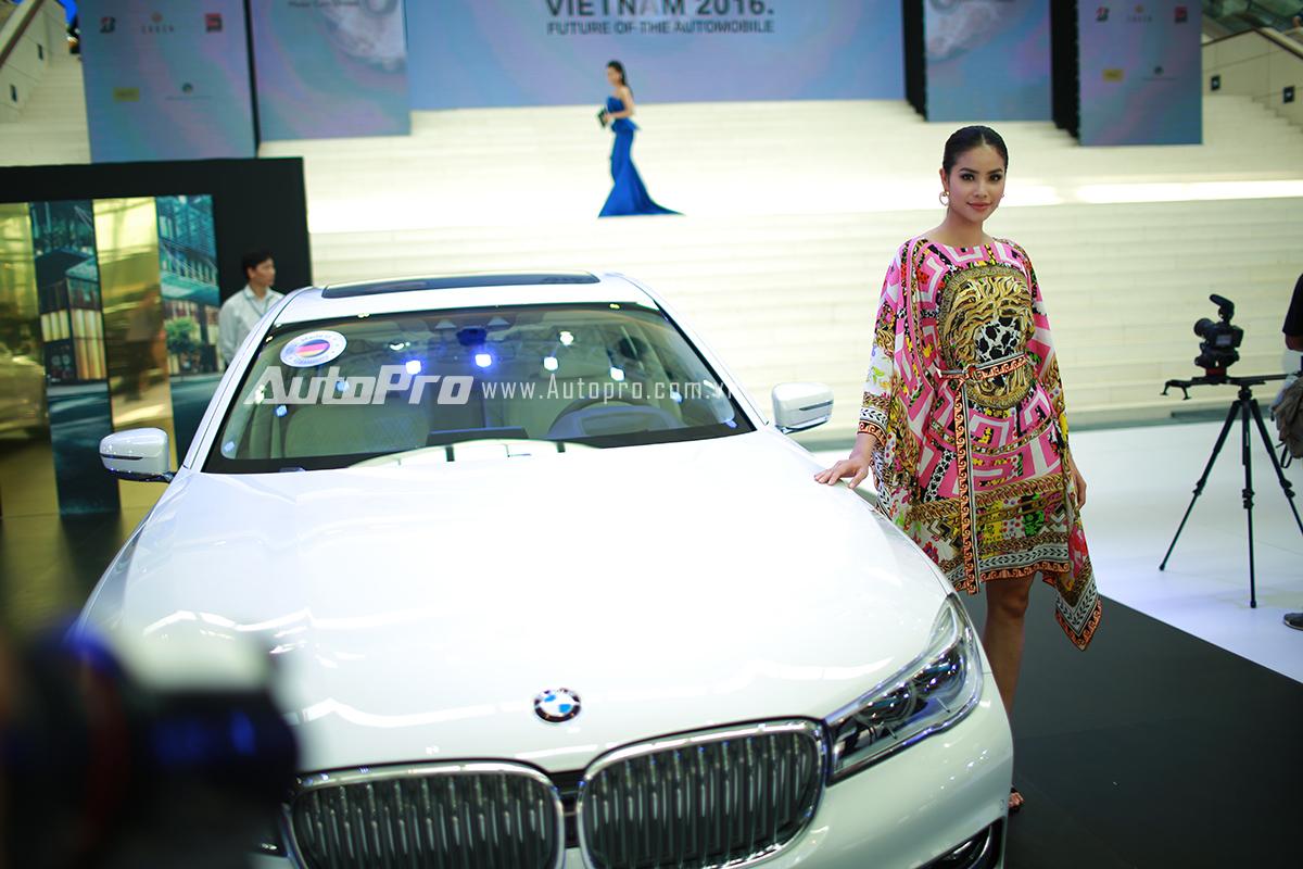 Hoa hậu Phạm Hương - Đại sứ thương hiệu BMW.